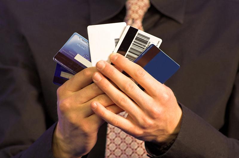 延滞や自己破産で登録されるカードローンの「事故情報」とは