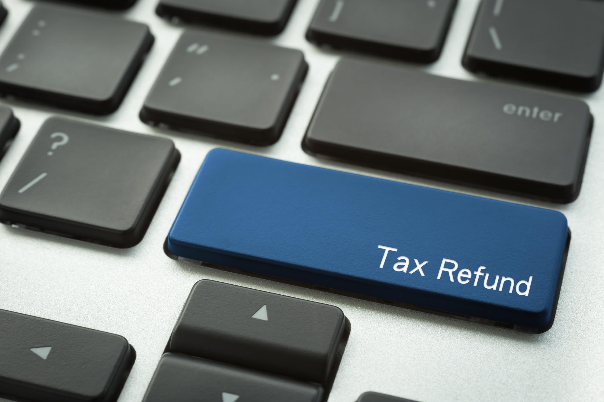 引き上げ間近!消費税増税がカードローン審査に与える影響とは