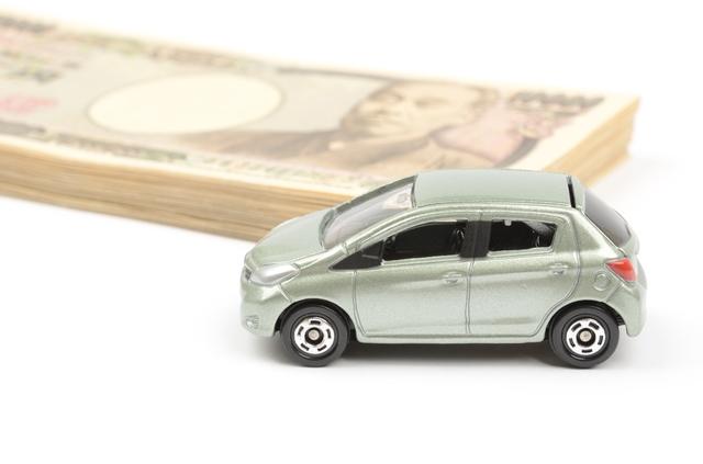 カードローンとの比較:自動車購入のための「カーローン」